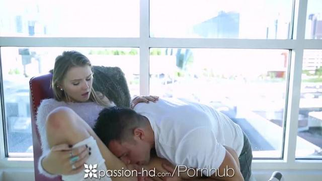 Passion HD Melissa may Sits on Johnny Castles Face