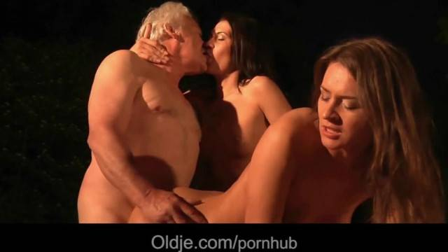 Beautiful Stockings Teens Outdoor 69 Cock Sucking for old Fat Grandpa