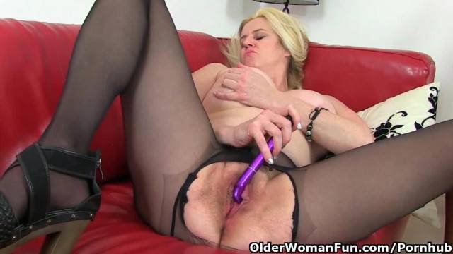 British MILF Tori Baynes Loves her Easy Access Pantyhose