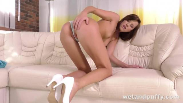 Sexy Morgan and her Favorite Yellow Dildo
