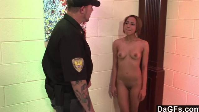 Kinky Teen Knows one way of Seducing the Guard