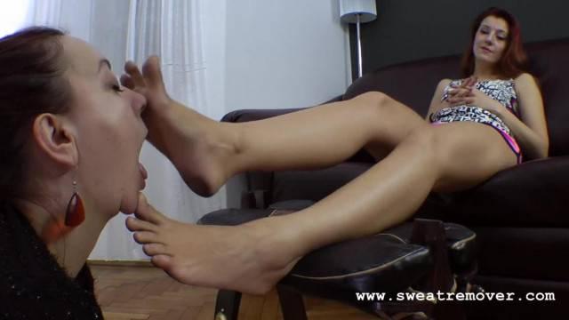 Slave Girl Worships Mistress Dirty Feet