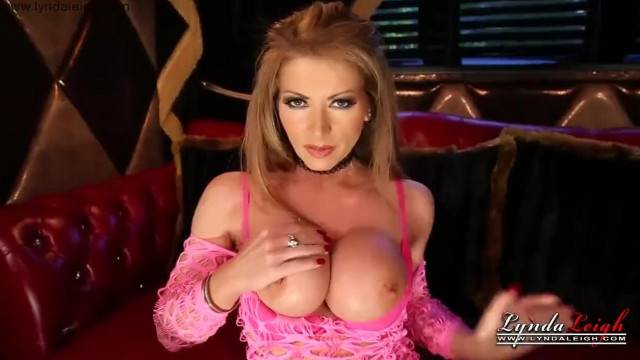 Hostess Lynda Leigh wants to Impress her Clients and Masturbates