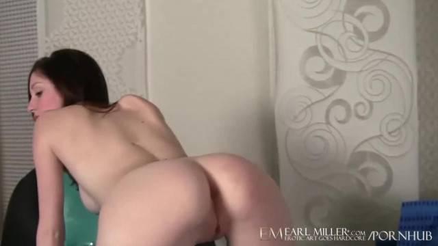 Hottie Victoria Voss Pleasures her Pussy