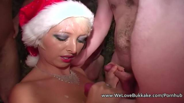 Christmas Amateur Cumshot Facial Party