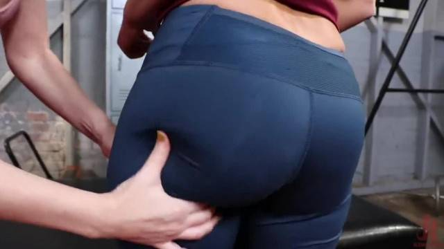 Dana DeArmond gives London River s Juicy Ass the Workout of her Life