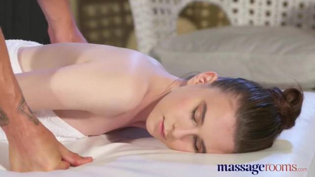 Massage Rooms Innocent Young Russian Teen gets the Fuck of her Life