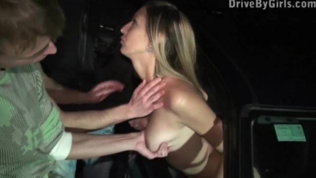 Kitty Jane Car Window PUBLIC Blowjob Sex with several Random Strangers
