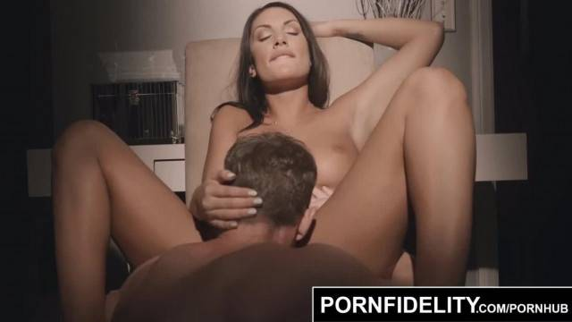 PORNFIDELITY August Ames Oiled up Big Titties Bouncing