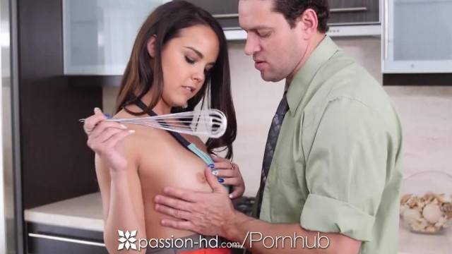 Passion HD half Naked Cooking Cutie Dillion Harper is Fucked