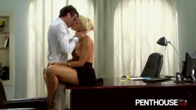 Hot Boss Fucks on her Desk