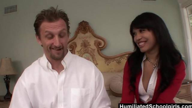 HumiliatedSchoolGirls Rhianna makes him Cum so Good