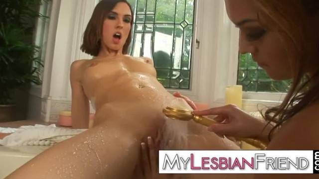 Lesbian Girls Valentina Vaughn and Sophie Strauss in Bathtub
