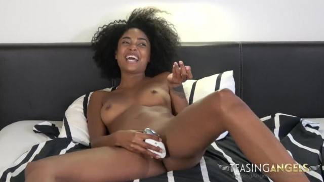 Sexy Black Woman Spreads her Long Legs and Masturbates for you Backstage