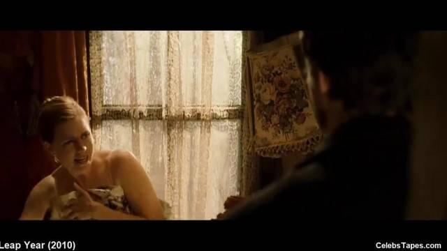 Amy Adams Embeth Davidtz Lingerie and Erotic Movie Scenes