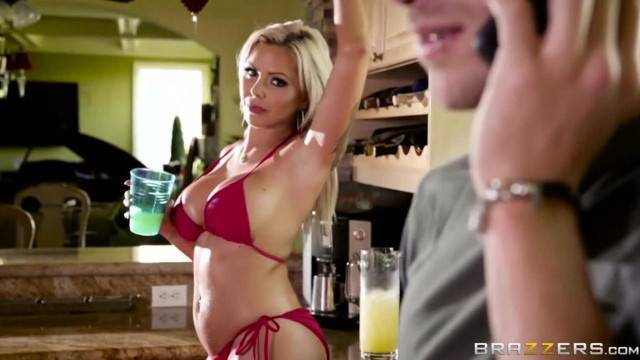 Nina Elle gets Oiled up and Ready Brazzers