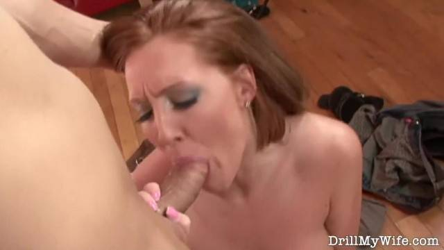 Sexy Wife Showing off her Fucking Skills