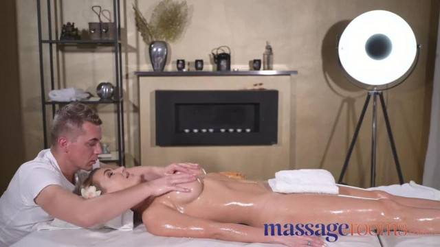 Massage Rooms Oily Fuck for Glamorous Big Tits Squirting Rimming Russian