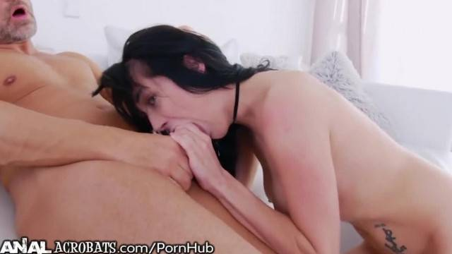 AnalAcrobats Puffs her Pussy with Pump as Ass Gape is Drilled