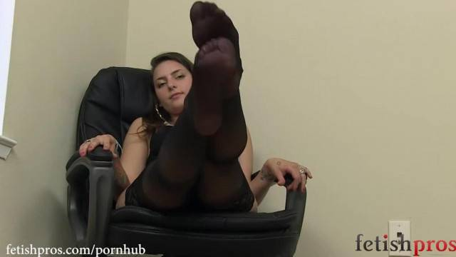 Hot MIssy Minks giving Stocking Foot Tease