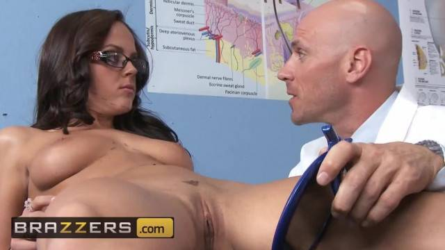 BRAZZERS all Natural Teen Rahyndee James gets Exploited by Doctor