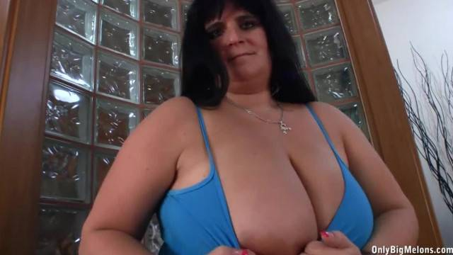 Big Boobed BBW Cecille Teases with her Bouncing Funbags