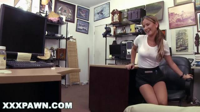 XXX PAWN Waitress Desperate for Cash Ends up Selling her Ass