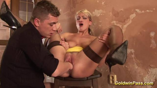 Kinky Blonde Girlfriends Gets One Hand Deep in her Pussy