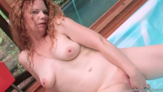 Solo Fun with Tattooed Ginger MILF in the Jacuzzi