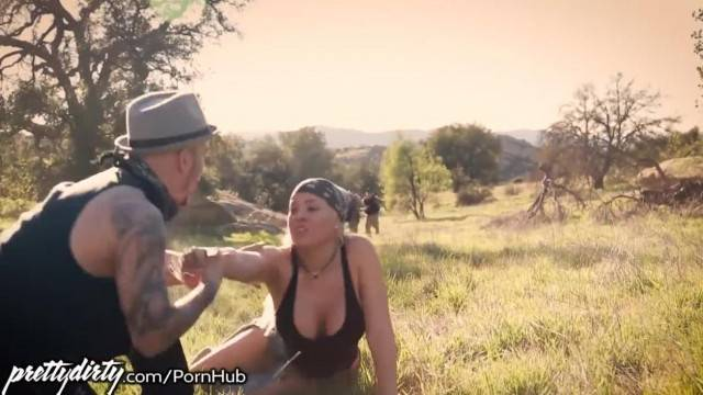 Luna Star Caught and Fucked by Dirty Border Cop
