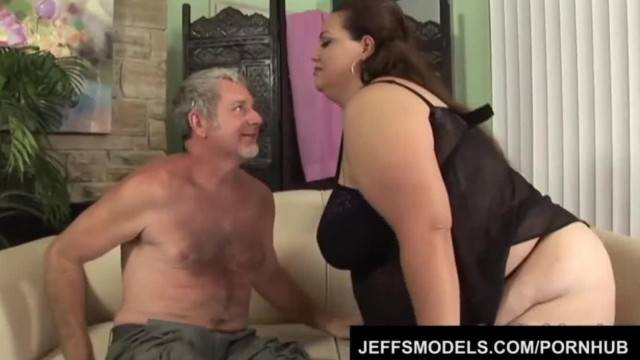 Chubby Angelinas Titanic Body and Cunt get a Guy off
