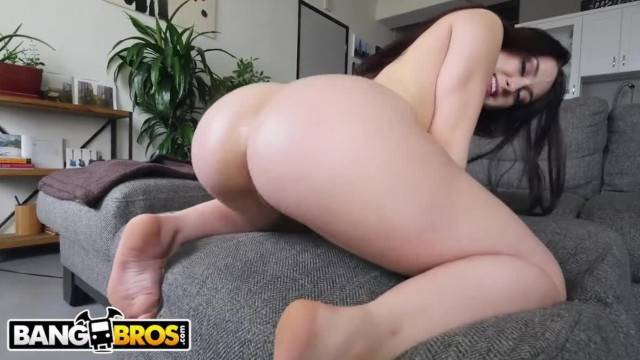 BANGBROS PAWG Mandy Muse Twerking and Showig off her Big Ass