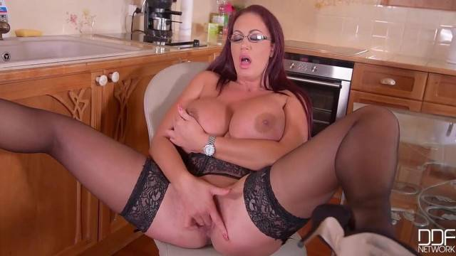 Huge Tits English MILF in Stocking Solo Play