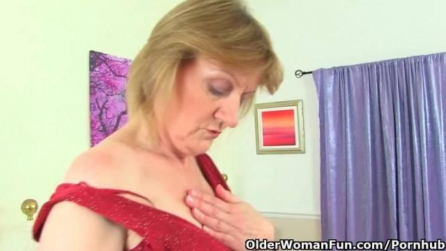 Kinky British Granny Clare Fucks a Dildo