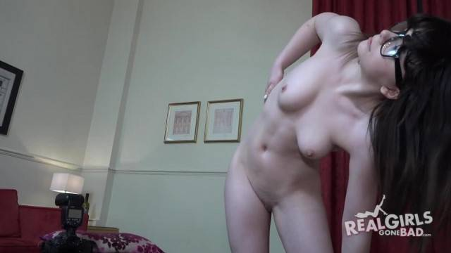 BRAND NEW all Natural UK first Timer 19 Year old Chloe Exclusive to RGGB