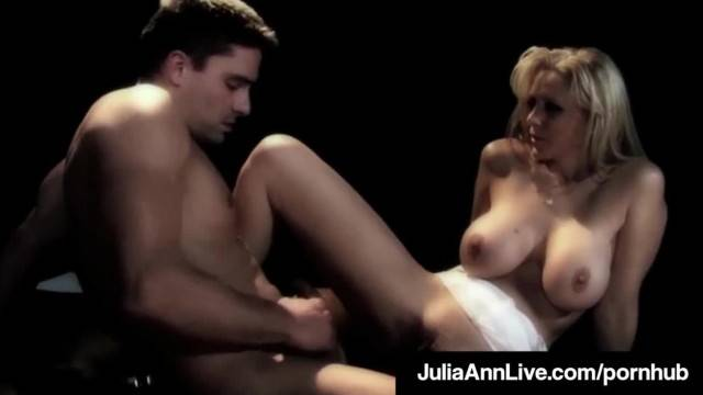 MILF Queen Julia Ann gets Anal Fucked on Stage