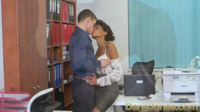 Slutty ebony secretary Luna Corazon fucks her boss