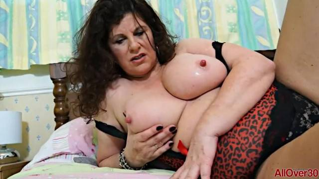 Horny Chubby British MILF Jilly Compilation