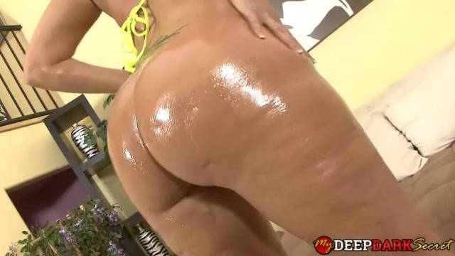 MILF with big ass gets pussy wrecked by BBC