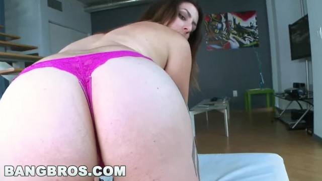 BANGBROS Tiffany Cross s Bouncy Big Tits and round Ass btra9186