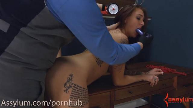 Anal Virgin gets Painful Anal Stretching with Ass to Mouth