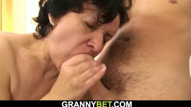 Hairy Pussy Granny Tourist Screwed on the Floor