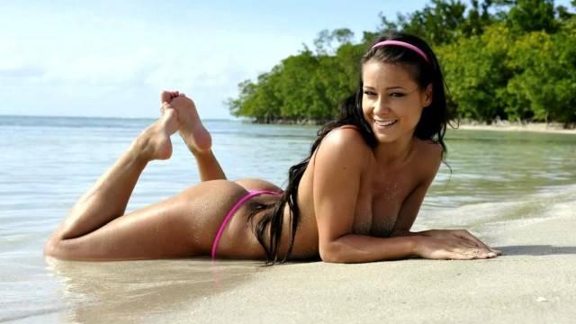 Sexy Tropical Sea Melisa Mendiny