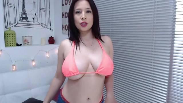Brasilian Girl short skirt camgirl