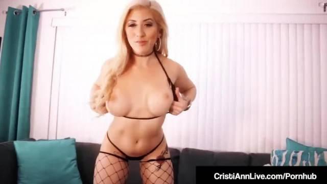 Anal Sex Lovers Cristi Ann Holly Hendrix do Butt Plug Fun