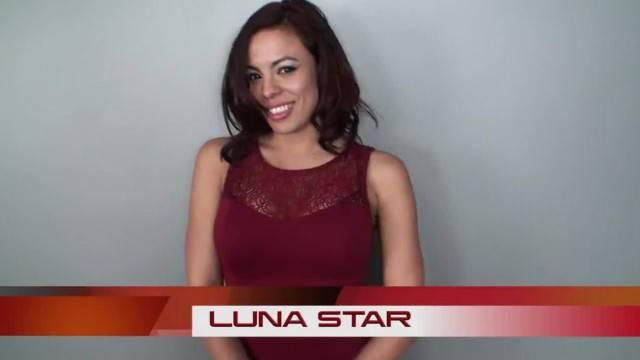 LUNA STAR SUCKING ON A TINY LITTLE DICK