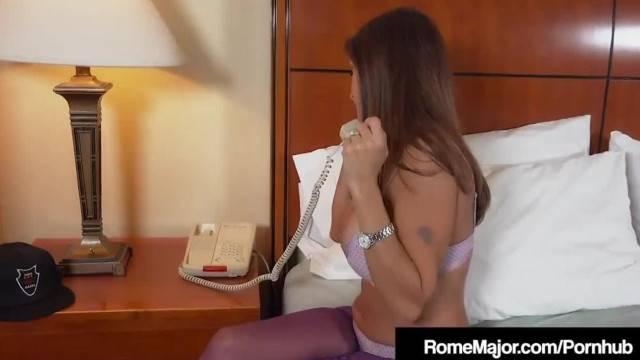 Hotwife Rio Blaze Fucked by Black Cock Bellhop Rome Major