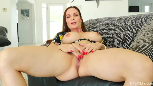 Big Tits MILF Diamond Foxxx Playing Compilation