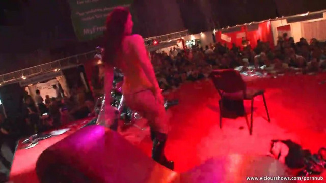 Nude Slut has Fun on the Stage
