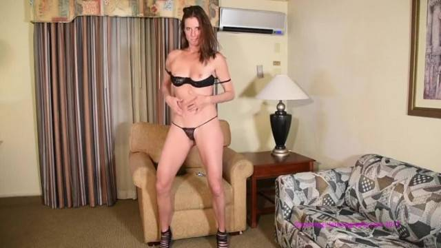 Dirty dancing and dildo fuck with playful MILF Sofie Marie